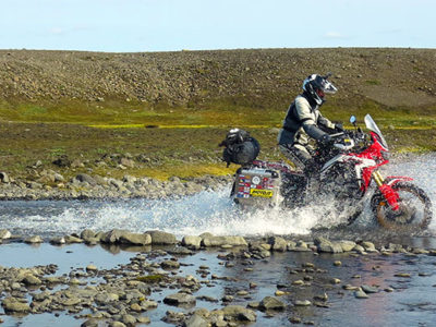 iceland-exclusive-motorbike-tour-islanda-creek-crossing-adventure-guadi-exmo-tours-exclusive-motorcycle-tours-premium-elite