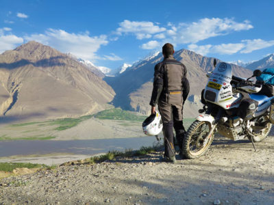 kirghizistan-tajikistan-pamir-wakhan-corridor-valley-afghanistan-silk-road-vie-della-seta-exclusive-motorbike-tour-adventure-exmo-tours-exclusive-motorcycle-tours