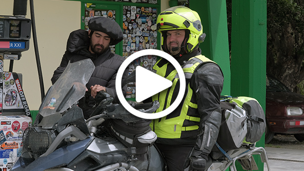 exmo-exclusive-motorcycle-tours-patagonia-tierra-del-fuego-nye-capodanno-chile-argentina-cile-bmw-r1200gs-africa-twin-charles-v2